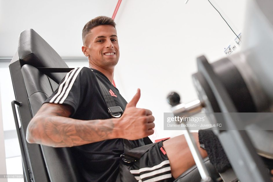 Juventus transfer news Cancelo edges closer to Man City as agents meet in London